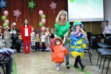 22 апреля, в Международный День Земли, в МАОУ лицее № 64 в рамках сетевого взаимодействия прошел экологический фестиваль «ЭКО - подиум», с целью стимулирования школьников и родителей к природоохранной деятельности. В нем приняли участие педагоги и учащиеся МБОУ СОШ № 63.
